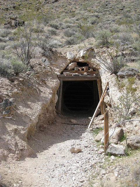 Tunnel portal at Leadfield – Author: The Greater Southwestern Exploration Company – CC BY 2.0