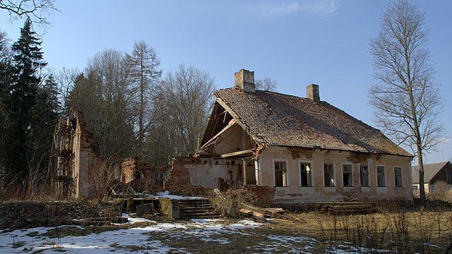 Ruins of Joosu manorhouse – Author: Vaido Otsar – CC BY 3.0
