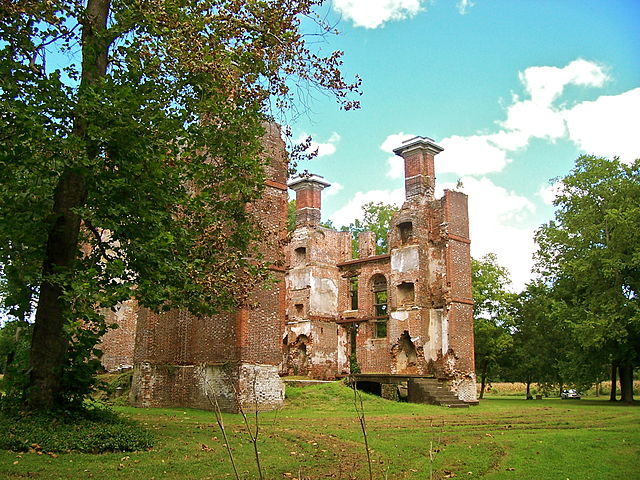 The ruins of the Rosewell Plantation house in Virginia ...
