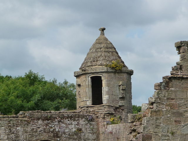 The corner turret. Author:Immanuel Giel – CC BY-SA 3.0
