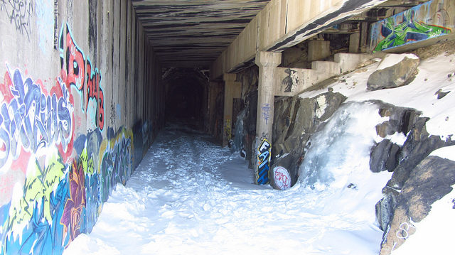 Donner Train Tunnels and Snow Sheds. Author: ChiefRanger – CC BY 2.0