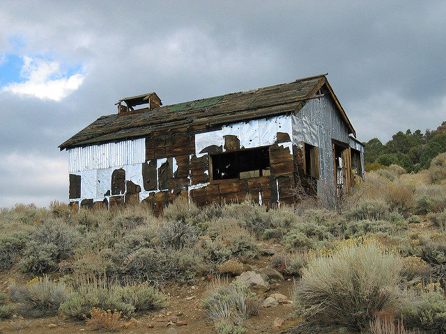 Tin clad workshop at Chemung Mine – Author: moppet65535 – CC BY 2.0
