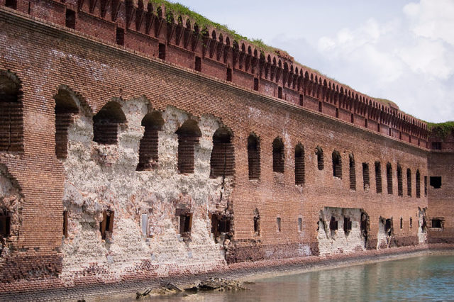 A damaged outer wall/ Author: Dry Tortugas NPS CC BY 2.0