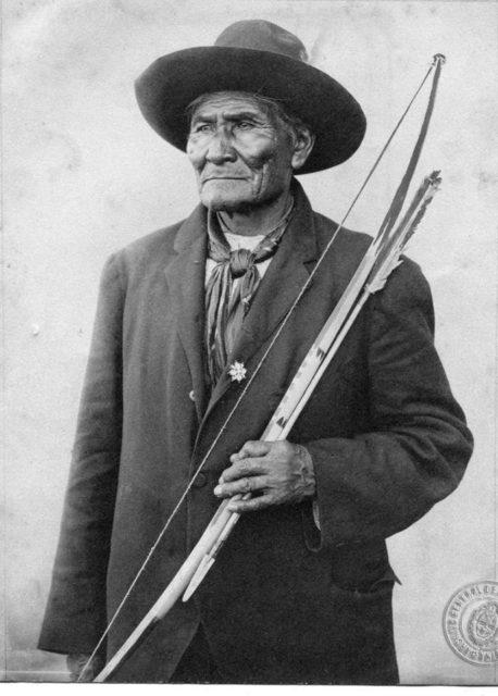 Apache Chief Geronimo. Author:Archivo General de la Nación Argentina