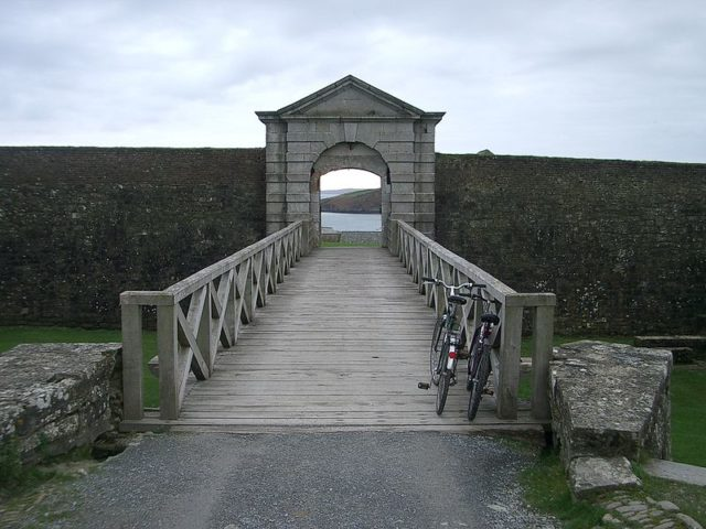 Charles Fort entrance. Author: BlorgCC BY-SA 3.0