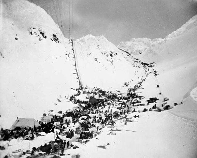 Chilkoot Pass during the gold rush/ Photo byG.G Murdock