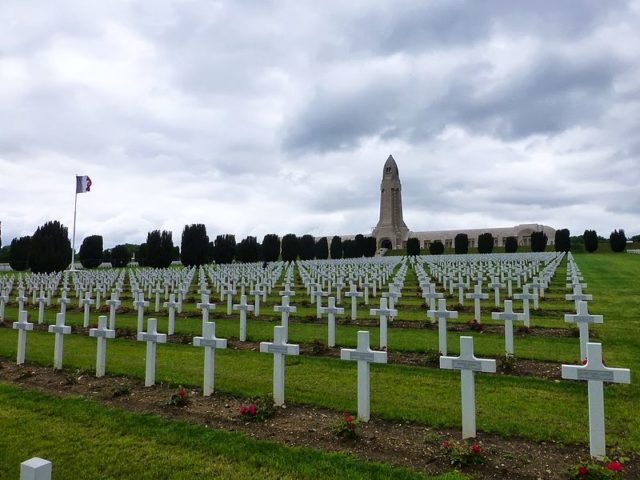 Douaumont cemeteries. Author:Paul ArpsCC BY 2.0