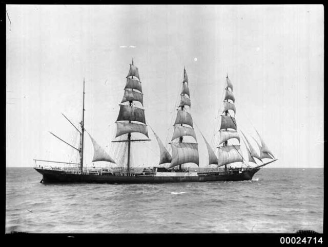 Historic picture of Moshulu/ Author:Australian National Maritime Museum