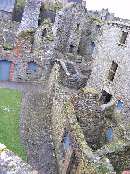 Part of the fort's interior. Author:PJOS2015CC BY-SA 4.0