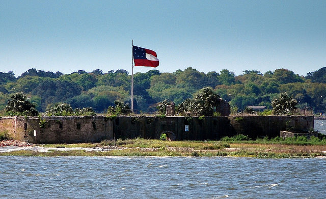 Photograph of the castle taken from the Fort Sumter Ferry. Author:Roland TurnerCC BY-SA 2.0
