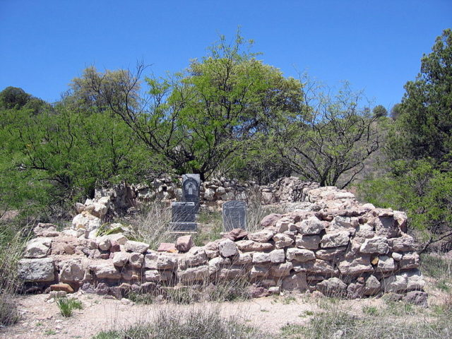 Small cemetery/ Author:TransityCC BY-SA 3.0