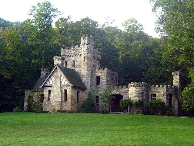Squire's Castle/ Author:sunsets_for_you – CC BY-SA 2.0
