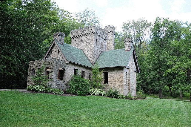 Squire's Castle/ Author:E Photos – CC BY 2.0