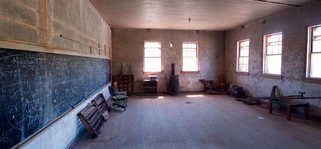The interior of the school/ Author:Alan Stark – CC BY-SA 2.0