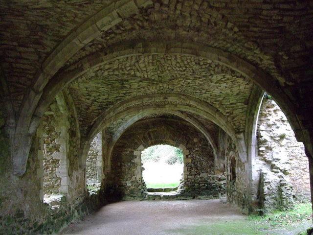 The interior of the Abbot's House. Author:Rob WoodwardPublic Domain