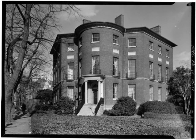 View of the house from the south/ Author: Library of Congress Prints and Photographs Division Washington