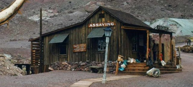 Assay Office at Calico Ghost Town/ Author: Frank E. Moore – CC BY-SA 4.0