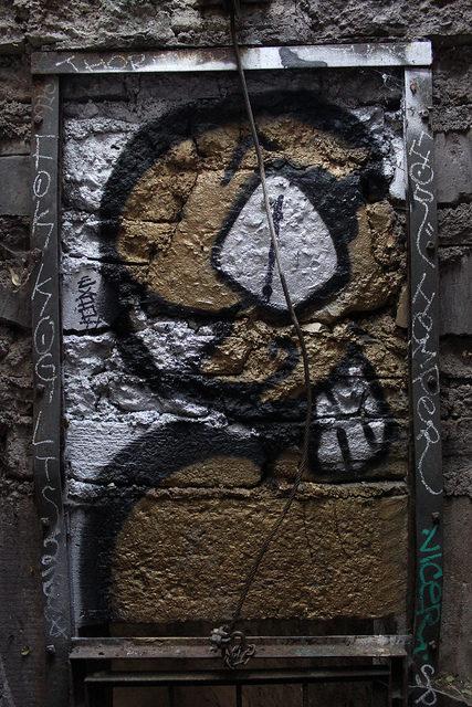 Graffiti at the Griffith Park Zoo/ Author: Eli Duke – CC BY 2.0