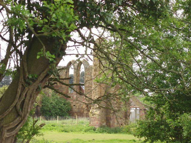 The abbey fell into ruin after the Dissolution of the Monasteries by Henry VIII. Author: Lorraine Wheale – CC BY-SA 2.0