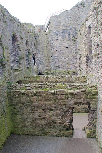 Part of the castle's interior. Author: Mike Peel –CC BY-SA 4.0
