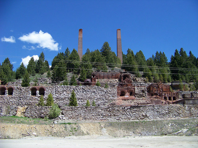 Part of the smelter. Author:Mark Holloway – CC BY 2.0