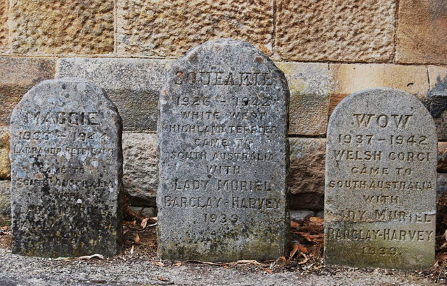 Pet graves found on the property. Author:Peripitus – CC BY-SA 3.0