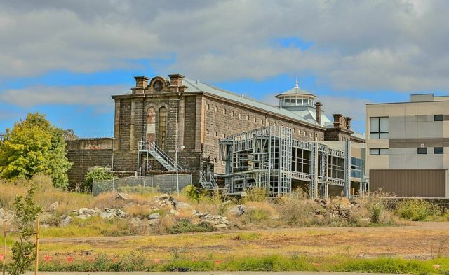 Side view of the prison. Author:John TorcasioCC BY-SA 4.0