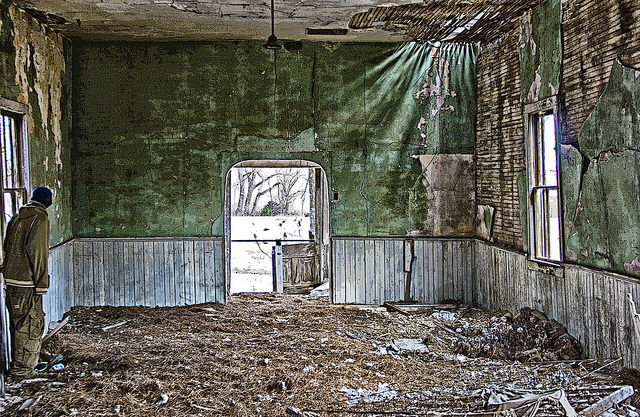 The interior of the abandoned church alternative view. Author:Patrick EmersonCC BY-ND 2.0