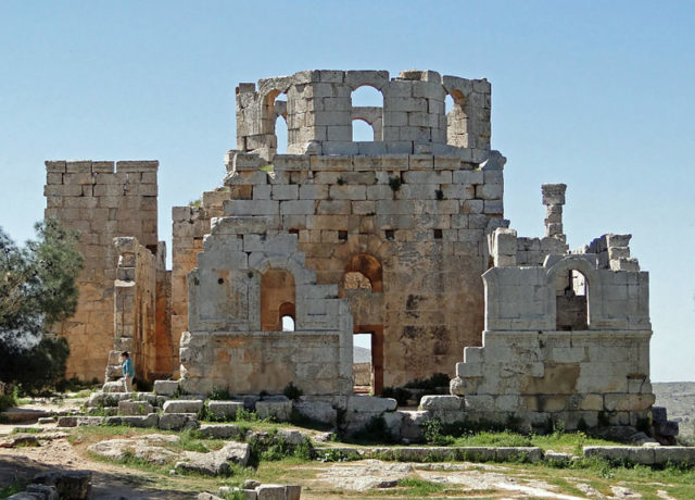 The ruins of the baptistry/ Author: Bernard GagnonCC BY-SA 3.0