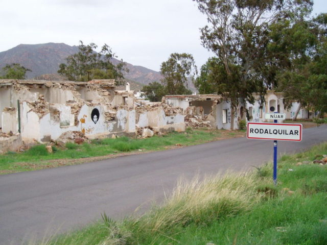 Ruins of former mining workers homes at Rodalquilar in Andalusia, Spain – Author: Wikinaut – CC BY-SA 3.0