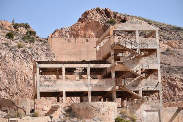 Building of the abandoned gold mine complex of Rodalquilar, Almería – Author: Ildefonk – CC BY-SA 4.0