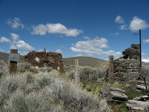 Ruins, Unionville, Nevada – Author: Ken Lund – CC BY 2.0