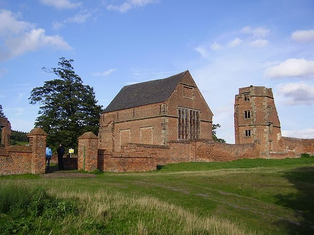 Bradgate House's chapel and ruined tower