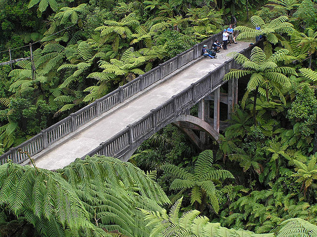Now the bridge is busier than in the past. Author: Jessica Ebrey – CC BY 2.0