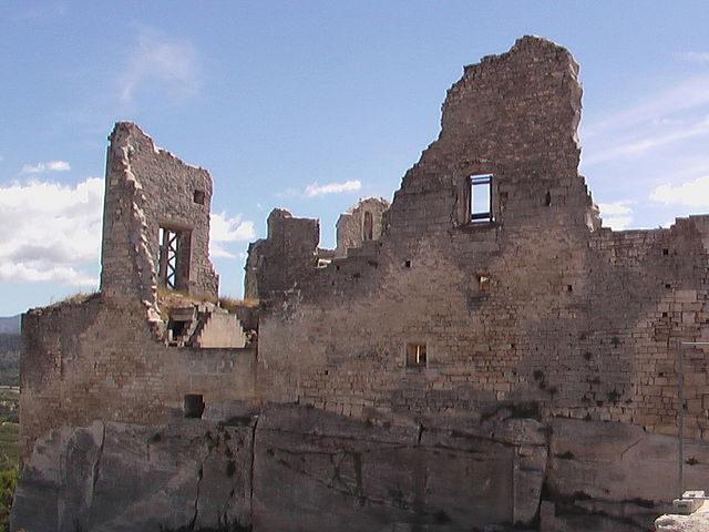 Château de Lacoste – Author: Lefalher – CC BY-SA 3.0