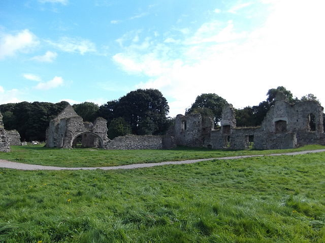 It is believed that the ruins are haunted/ Author: JohnArmagh – CC BY-SA 3.0