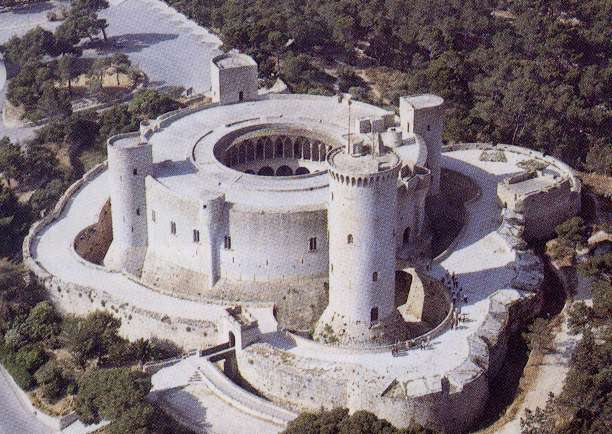 Aerial photo of the castle.