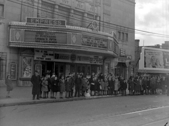 Empress Theater in 1943