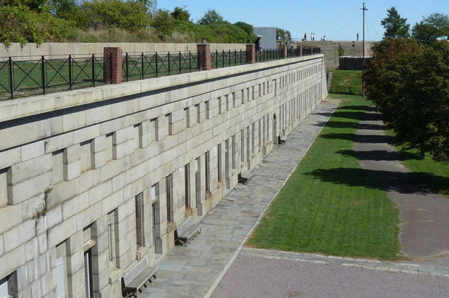 Inside view of the fort. Author:Zandcee–CC BY-SA 3.0