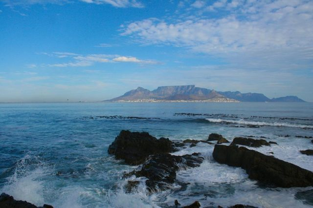 Looking towards Cape Town from Robben Island. Author:Michael Day –CC BY 2.0
