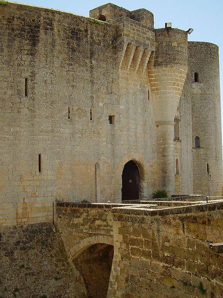 The castle's entrance. Author:ILA-boy –GPL