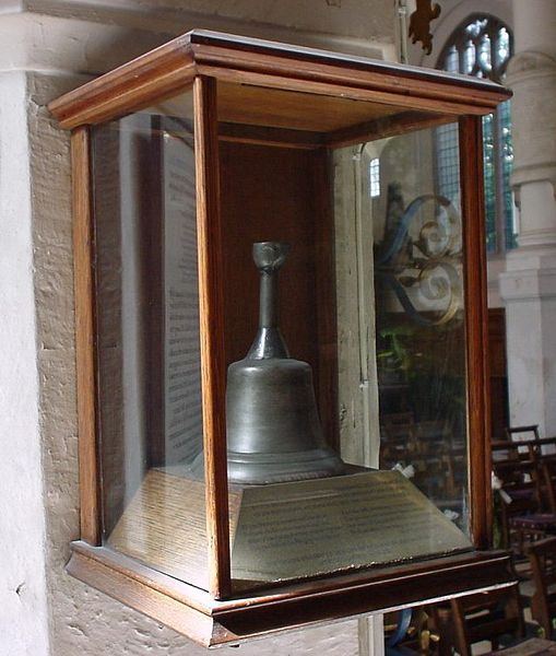 The execution bell. Author:Lonpicman –CC BY-SA 3.0