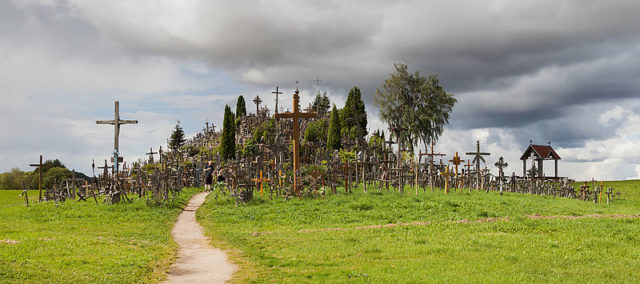 Where thousands ofcrosses stand. Author:Diego Delso –CC BY-SA 3.0
