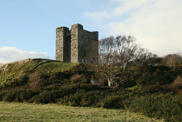 View of the 15th century Audley's Castle in County Down. Des Colhoun CC BY-NC 2.0