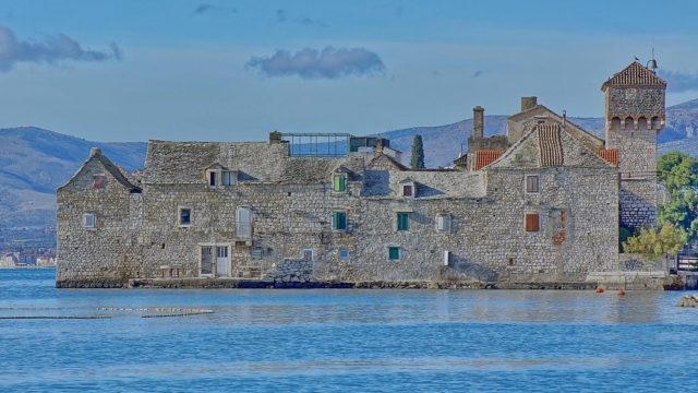 Kaštel Gomilica is a coastal town in Dalmatia, built in the first half of the 16th century by the Benedictine nuns from Split. It's been used as a backdrop for the Free City of Braavos. Ivan T. CC BY-SA 3.0