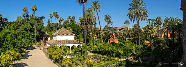 Panorama of the gardens in the Alcázar of Seville in Seville, Andalusia, Spain. Mihael Grmek CC BY-SA 4.0