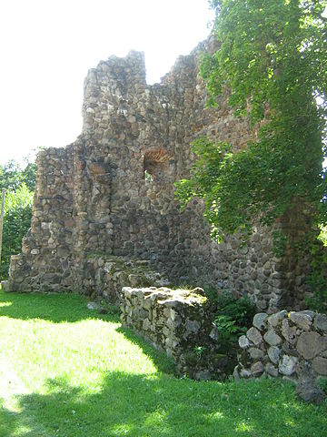 Remains of the southwestern tower
