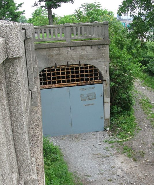 This tunnel entrance near the Western Hills Viaduct is clearly visible from Interstate 75