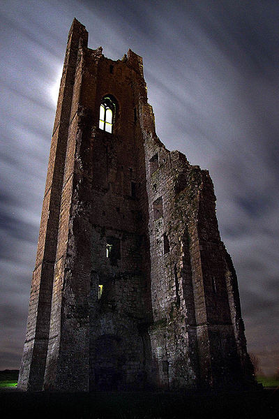 Closer view of the bell tower. Author:AndrewJJEllis–CC BY-SA 4.0