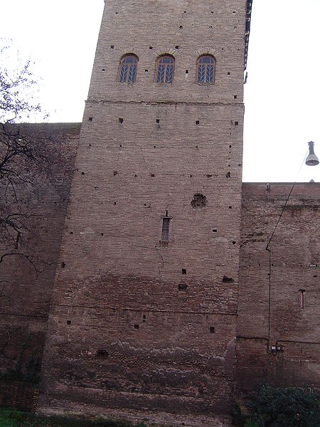 One of the wall towers. Author:Joris –CC BY-SA 3.0
